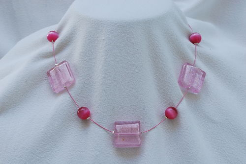 Collier perles indiennes roses