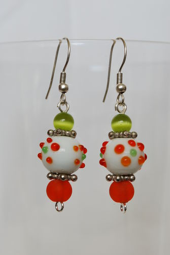 Boucles d'oreilles blanche points orange/vert